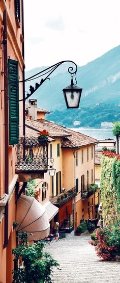 Lake Como, Italy has 3 beautiful towns - Varenna, Bellagio & Menaggio - that you should include in your travels to Italy! Gorgeous, romantic must see views!