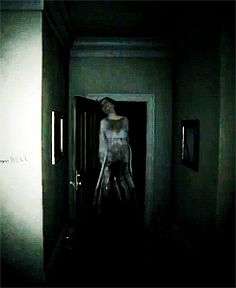 This was an enemy in the Silent Hill P.T demo. Creepy Images, Creepy Gif, Creepy Pictures, Scary Movies, Horror Movies, Silent Hill Pt, Chill, Scary Games, Gifs