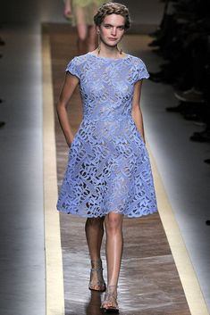 Celebrities who wear, use, or own Valentino Spring 2012 RTW Lace Embroidered Dress. Also discover the movies, TV shows, and events associated with Valentino Spring 2012 RTW Lace Embroidered Dress. Fashion Week Paris, Runway Fashion, Fashion Show, Fashion Trends, Marine Uniform, Vogue, Moda Vintage, Vanity Fair, Dresses Online
