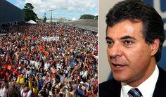 Cerca de 10 mil professores, pedagogos e funcionários aprovaram por unanimidade, neste sábado, dia 7, em Guarapuava, greve geral a partir de segunda-feira, dia 9, em todas as 2,1 mil escolas da rede pública estadual do Paraná; educadores também decidiram acampar a partir de segunda-feira, 9, em frente ao Palácio Iguaçu e à Assembleia Legislativa, que deverá votar projeto do governador Beto Richa (PSDB) que retira direitos dos servidores públicos do estado