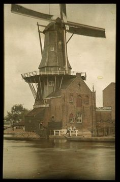 Haarlem, Stoomkorenmolen  De Adriaan aan het Spaarne, 1912