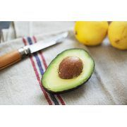 It's possible to lose weight in two weeks -- cutting bloat, fat and water weight -- without using a juice fast or starvation diet. The key to this weight-loss regimen is to stick to a small group of foods -- all lean proteins, healthy fats and whole grains.If you want maximum weight-loss, you have to be able to commit to eating a rather boring and...