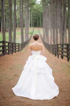 Our favorite Monique Lhuillier Brides: http://www.stylemepretty.com/collection/2034/