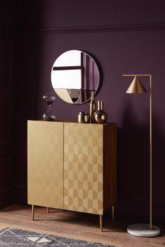 Art Deco interiors are making a big comeback. Vivid geometrics, luxe materials and vibrant colour celebrate the bold side of opulent Art Deco design Led Furniture, Antique Furniture, Furniture Design, Antique Wood, Plywood Furniture, Modern Furniture, Art Deco Stil, Table Design, Chair Design