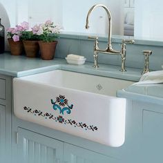 Love this farmhouse sink via My Lovely Home