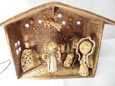 Betlém 20- základ Čtěte prosím možnosti: 1. Betlém základ....chlév-střecha do A:šířka 30 cm,výška 22 cm, hloubka 10 cm, oslík a vůl, hvězda zavěšená v prostoru), velikost postaviček 11-14 cm, Josef, Marie, Ježíšek ( 5 cm), mistička na svíčku 2. Betlém velký-celkem 8 postaviček Součástí je Josef, Marie, Ježíšek, oslík, vůl, Betlémská hvězda (zavěšená ... Hobbies And Crafts, Nativity Sets, Clay, Pottery, Baby Jesus, Ceramics, Automata, Ornaments, Reyes