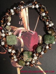 Necklace - Agates with fresh water pearls