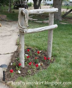 2 Crafty 4 My Skirt: Front Yard Western Decor ~ Hitching Post for my front yard when we ride. Rustic Gardens, Outdoor Gardens, Hitching Post, Western Homes, Ranch Style, Handmade Home Decor, Yard Landscaping, Landscaping Ideas, Landscaping Borders