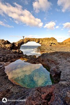 El arco. El Hierro. Copyright © rinconesdecanarias.com