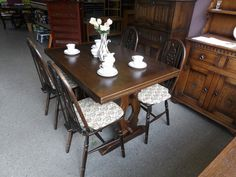 Jaycee solid wood draw leaf table and 4 chairs, measurements not extended are H-77cm W-121.5cm D-81.5cm, extended W-182.5cm ------------------- £185 (pc878)