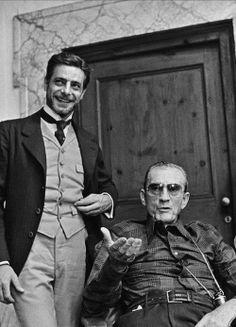 """Giancarlo Giannini e Luchino Visconti sul set di """"L'innocente"""", (1976)"""