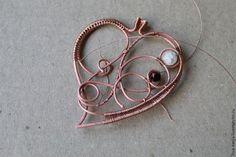 """Вдогонку """"Осеннему марафону"""": делаем подвеску в виде листика из меди в технике wire wrap - Ярмарка Мастеров - ручная работа, handmade"""