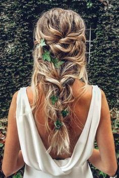"42 Boho Wedding Hairstyles ❤️ Here you will find a plethora of boho wedding . "" Boho Hairstyles, 42 Boho Wedding Hairstyles ❤️ Here you will find a plethora of boho wedding hairstyles for any tastes, starting with elegant braided updos and ending . Romantic Wedding Hair, Wedding Hair And Makeup, Wedding Curls, Wedding Braids, Trendy Wedding, Wedding Ideas, Hairstyle Wedding, Style Hairstyle, Bohemian Wedding Hairstyles"