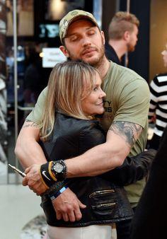 Tom Hardy hugging his agent Lindy King. Toronto Sept 2014