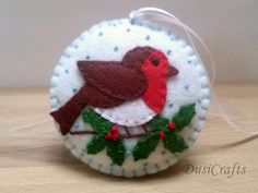 Felt christmas ornament – robin bird / wool blend felt/ white background This . - Felt christmas ornament – robin bird / wool blend felt/ white background This . Bird Christmas Ornaments, Felt Christmas Decorations, Felt Ornaments, Bird Decorations, Reindeer Ornaments, Beaded Ornaments, Christmas Projects, Felt Crafts, Holiday Crafts