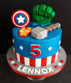 Fantastic Amazing cars photos are offered on our internet site. Avengers Birthday Cakes, Superhero Birthday Cake, Baby Birthday Cakes, 4th Birthday, Birthday Ideas, Pastel Avengers, Decors Pate A Sucre, Gateau Baby Shower, Marvel Cake