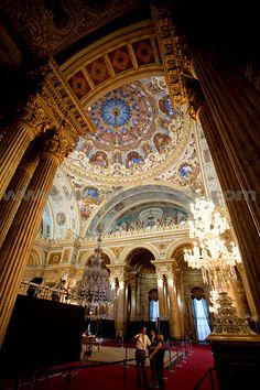 Ceremonial Hall Entrance. An Entrance To The Ballroom Of This Over The Top Palace. Sultans Moved To The Dolmabahce Palace In The 19th Century Just As The Empire Was Crumbling. Dolmabahce Palace, Istanbul, TURKEY.