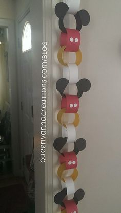 Try these Mickey Mouse paper chains for a cheap and easy way to decorate for your party. Theme Mickey, Fiesta Mickey Mouse, Mickey Mouse Clubhouse Birthday Party, Mickey Mouse 1st Birthday, Mickey Mouse Parties, 2nd Birthday, Mickey Mouse Crafts, Birthday Ideas, Mickey Mouse Birthday Decorations