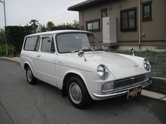 1968 TOYOTA PUBLICA VAN Maintenance of old vehicles: the material for new cogs/casters/gears/pads could be cast polyamide which I (Cast polyamide) can produce Retro Cars, Vintage Cars, Toyota 2000gt, Ninja, Lexus Cars, Japan Cars, Mini Trucks, Toyota Cars, Transporter