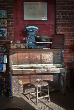 old Piano http://adjustablepianobench.net