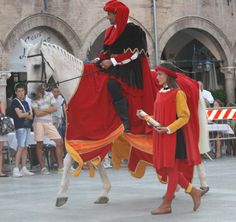 Just once, I'd love to go to one of these Italian festivals!  Ascoli Piceno: Parade and Jousting Competition
