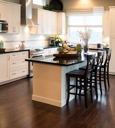 L-shaped kitchenshave a practical and fascinating structure, and thesekitchen conceptsshow easy methods to make yourL-shape kitchenwork at its greatest and look its best. #lshapedkitchenandlivingroom