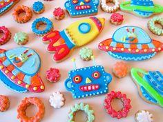 Postreadicción galletas decoradas, cupcakes y pops: Galletas decoradas: robots espaciales