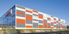 Sandwich Panels Factory Architecture, Facade Architecture, Warehouse Logistics, School Building Design, Metal Cladding, Warehouse Design, Industrial Architecture, Building Systems, Building Exterior