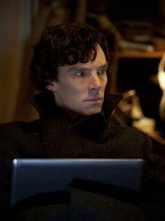 Jackassery Sherlock Holme's Benedict Cumberbatch and he is villain in Star Trek Into Darkness Movie 2013 Benedict Cumberbatch Sherlock, Sherlock John, John Watson, Hobbit, Sherlock Season 1, Mrs Hudson, 221b Baker Street, Johnlock, Martin Freeman