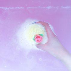 cupcake bathbomb @bombcosmetics_official