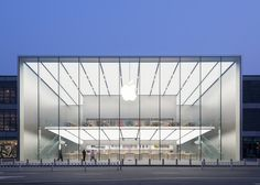 Foster + Partners completes Apple store in Hangzhou, China Hangzhou, Norman Foster, Modern Architecture House, Facade Architecture, Apple Store, Foster Partners, Glass Facades, Union Square, Store Design