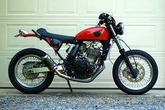 Suzuki DR650 dual sport turned into a sweet street bike