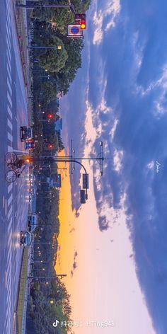 Aesthetic Korea, City Aesthetic, Aesthetic Desktop Wallpaper, Aesthetic Backgrounds, Sky Gif, Beautiful Places In Japan, Scenery Background, Cute Disney Wallpaper, Tumblr Wallpaper