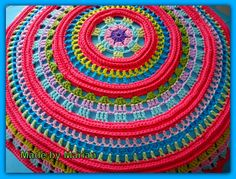 The original pattern is from 1981 (!) For the free pattern see the pin http://pinterest.com/pin/126734176986440561/