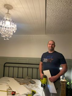 DON'T remove your popcorn ceilings - COVER it! - Dreaming of Homemaking Covering Popcorn Ceiling, Removing Popcorn Ceiling, Popcorn Ceiling Removal, Home Ceiling, Plank Ceiling, Artex Ceiling, Drop Ceiling Tiles, Wood Ceilings, Handmade Home Decor