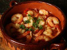 Gambas al Ajillo ~ Prawns in Garlic Sauce ~ www.tapasbonitas.com/tapas_mariscos/Gambas_al_Ajillo_01e.php