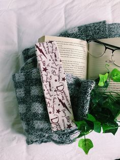 Fun Crafts, Diy And Crafts, Harry Potter Gifts, Any Book, Handmade Items, Handmade Gifts, Some Fun, Bookmarks, Etsy Seller