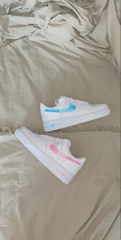 Harry Styles Shoes, Harry Styles Merch, Custom Sneakers, Custom Shoes, Air Force Ones, Nike Air Force, Harry Styles Birthday, Customised Shoes, Custom Air Force 1
