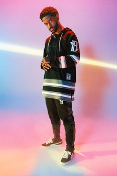 Longstanding PUMA ambassador Big Sean has teamed up with the brand on a steezy drop of apparel and accessories including a satin tracksuit. Weird Fashion, Hip Hop Fashion, Mens Fashion, Big Sean, Estilo Street, Beyond Blue, Boiler Suit, Fashion Poses, Dance Photography