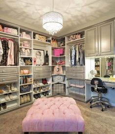 Turn a spare bedroom into a beautiful dressing room beauty room Dream Closets, Dream Rooms, Girls Dream Closet, Ideas De Closets, Closet Ideas, Closet Bedroom, Bedroom Decor, Closet Office, Closet Space
