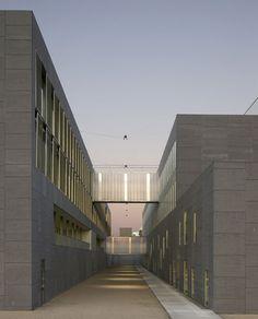 Universidad de Málaga by Luis Machuca - Dezeen