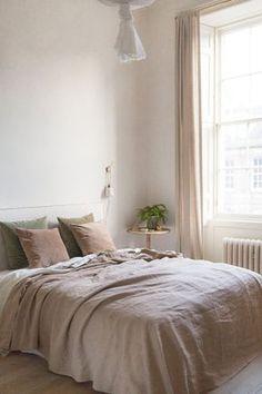 hot pink duvet cover bedding for bedroom refresh 45 Room Decor Bedroom, Home Bedroom, Modern Bedroom, Interior Design Living Room, Natural Bedroom, Bedroom Ideas, Master Bedroom, Contemporary Bedroom, Bedroom Designs