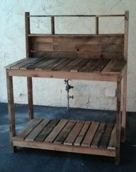 Awesome Idea for the lake - Pinner says: Potting bench made from pallets. Im thinking less potting bench more outside by the firepit buffet. Looks like a great place to set a tray of smores fixins :) A metal bucket on the bottom with ice for bottled drinks? Perfecto.