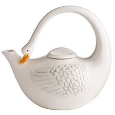 This swan teapot is really pretty!!