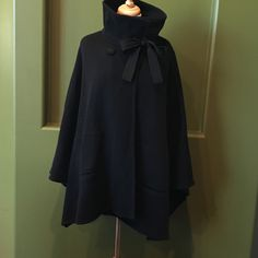 REVERSIBLE BLACK/GREY CAPE, ONE SIZE FITS ALL