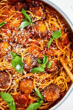 Juicy chicken meatballs cooked in rich tomato sauce tossed with al dente pasta is a delicious and easy family dinner recipe. #chicken #meatballs. Yummy Pasta Recipes, Easy Chicken Recipes, Dinner Recipes, Recipe Chicken, Delicious Recipes, Easy Family Dinners, Easy Weeknight Dinners, Fast Healthy Meals, Easy Healthy Recipes