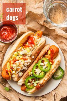 Carrot Hot Dogs Recipe, Carrot Dogs, Hot Dog Recipes, Healthy Recepies, Vegan Lunch Recipes, Delicious Vegan Recipes, Vegetarian Meals, Vegan Snacks, Grilled Carrots