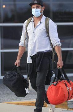 Zac Efron, Raincoat, Celebrities, Jackets, Bags, Fashion, Rain Jacket, Down Jackets, Handbags