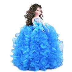 Doll Q2001 Mis Quince Quinceanea Dolls - Visit us online at www.misquinceano.com
