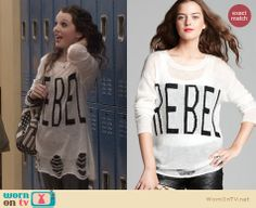 """Dorrit's """"Rebel"""" sweater on The Carrie Diaries. Outfit Details: http://wornontv.net/24711 #TheCarrieDiaries #fashion"""